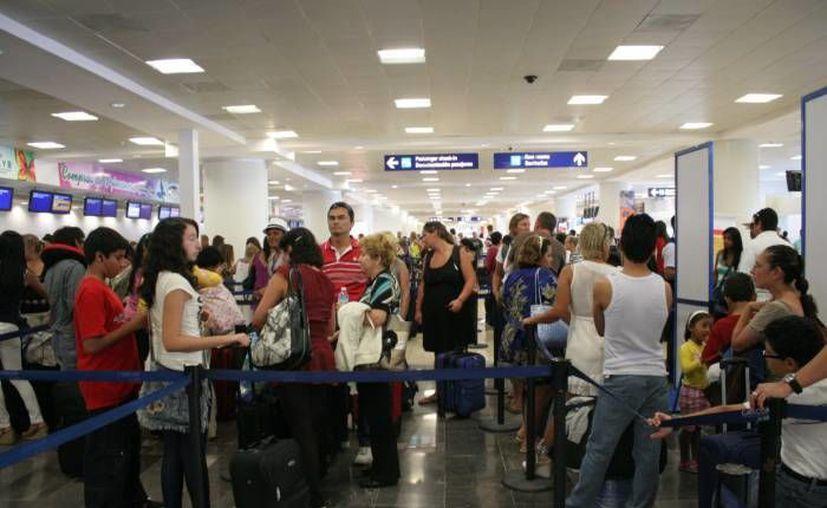 De enero a julio a llegada de visitantes vía aérea creció 8.4 % por encima de lo registrado el año anterior. (Redacción/SIPSE)