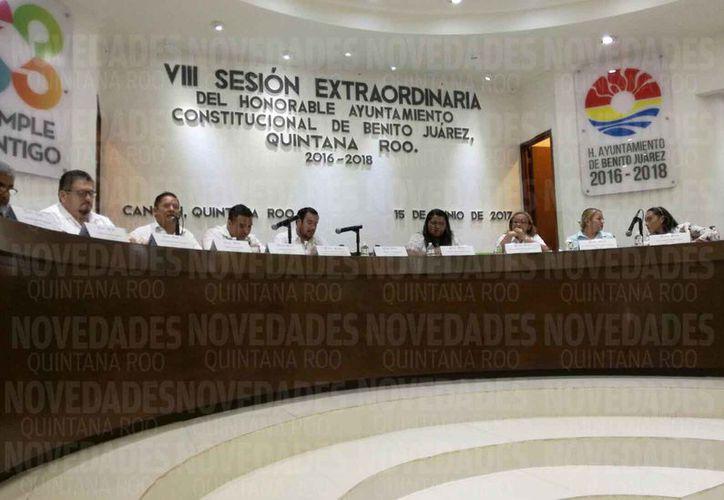 Los integrantes del Cabildo autorizaron el nuevo costo al transporte urbano. (Luis Soto/SIPSE)