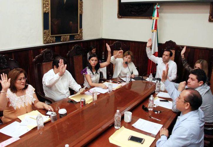 La sesión del Cabildo de ayer estuvo encabezada por el Alcalde. (Milenio Novedades)
