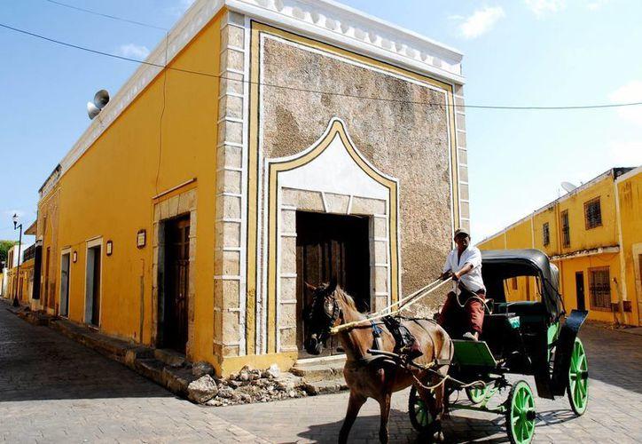 Los canadienses tienen la 'costumbre' de visitar el Estado en época de invierno. Imagen de una calesa en un municipio de Yucatán. (Milenio Novedades)