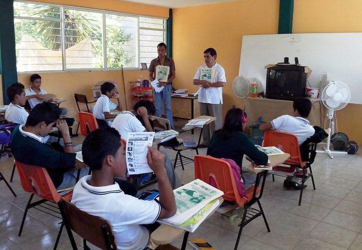Hasta el momento 80 estudiantes han solicitado una de las 700  becas que ofrece el Ayuntamiento de Solidaridad.  (Irelis Leal/SIPSE)