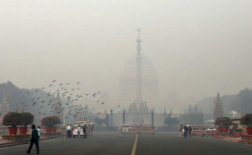 La ciudad podría enfrentar un grave aumento de polución en el aire después de la festividad Diwali. (RT)