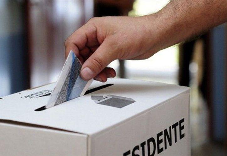 La jornada electoral el Oaxaca cuenta también con el robo y quema de más de ocho mil boletas electorales. (Contexto/Internet)