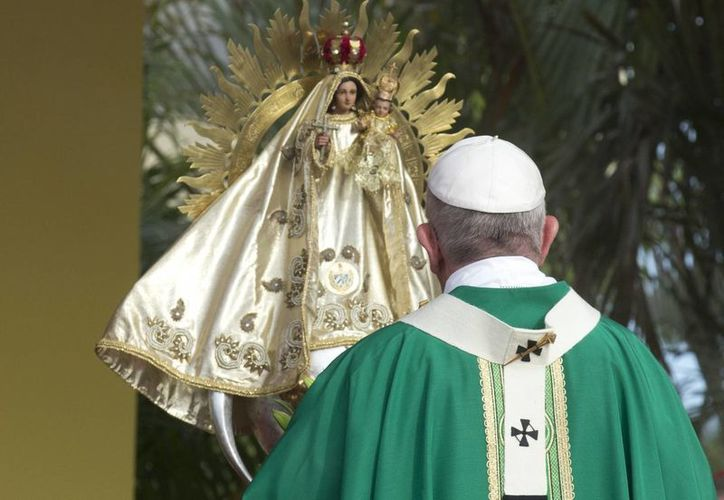 Según la tradición, la virgen de la Caridad del Cobre se apareció a tres personas en la Bahía de Nipe. (AP)