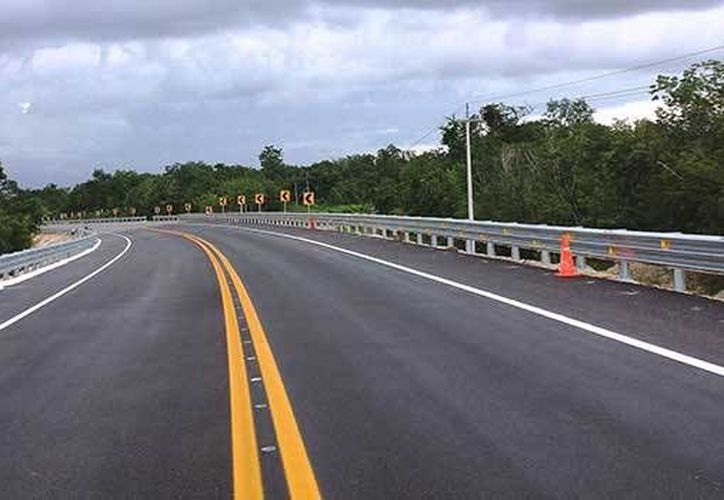 La SCT informó sobre los programas que realizó en las carreteras de Quintana Roo durante 2014. (Redacción/SIPSE)