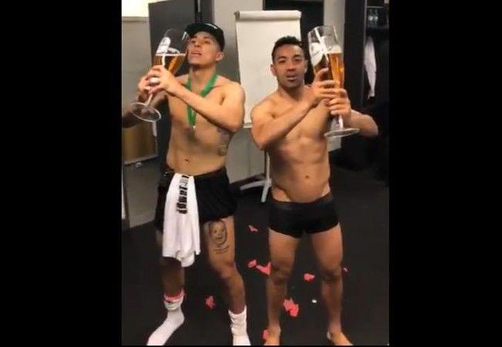 Los jugadores celebraron como se hace tradicionalmente en Alemania. (Twitter)