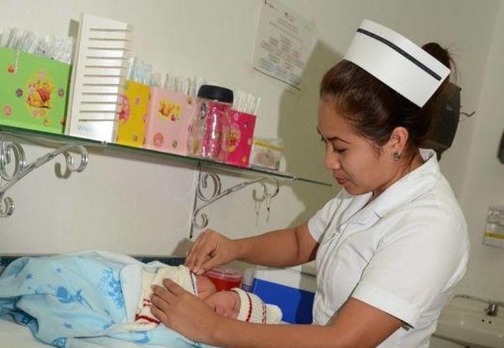 Autoridades de salud recomiendan  evitar los cambios bruscos de temperatura, principalmente en menores de edad. (Ángel Castilla/SIPSE)
