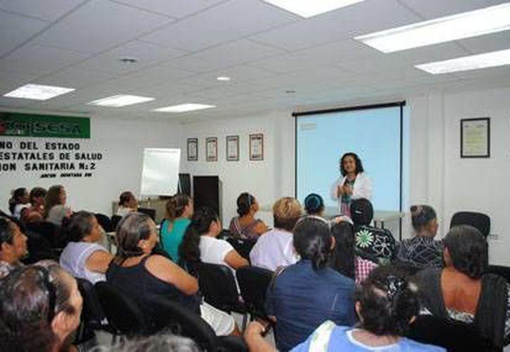 Las mujeres de Solidaridad, Benito Juárez, Cozumel, Lázaro Cárdenas y Tulum recibieron la capacitación. (Redacción/SIPSE)