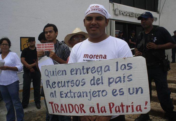 Capitalinos han manifestado su descontento por la aprobación de la Reforma Energética. (Harold Alcocer/SIPSE)
