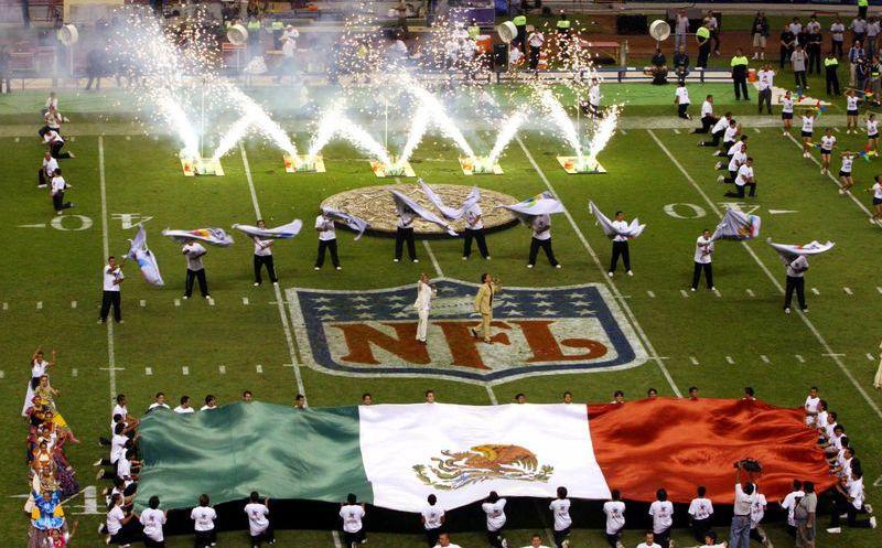 El último enfrentamiento de NFL en México fue el pasado 2 de octubre de  2005 6ce1e25e3f4