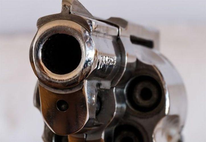 En el lugar, se localizó una carta póstuma y el revólver calibre .38. (Foto: Pixabay)