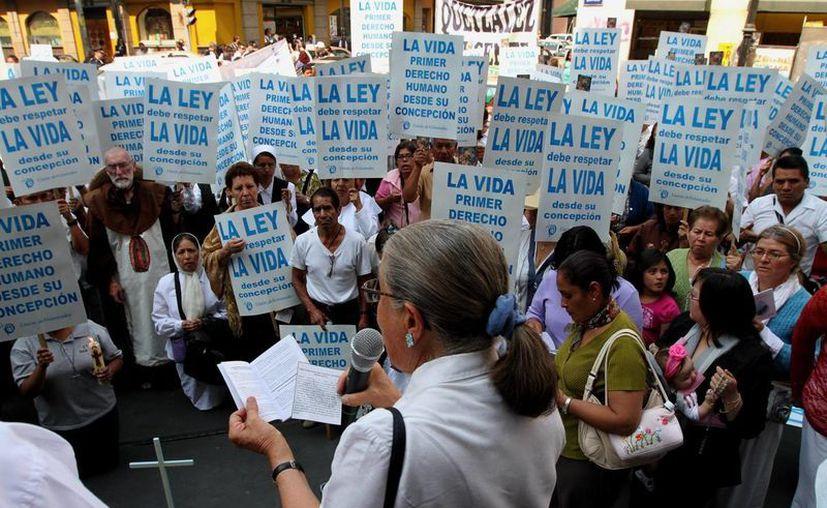 Muchas organizaciones aún se oponen al aborto legal en la Ciudad de México. (Archivo/Notimex)
