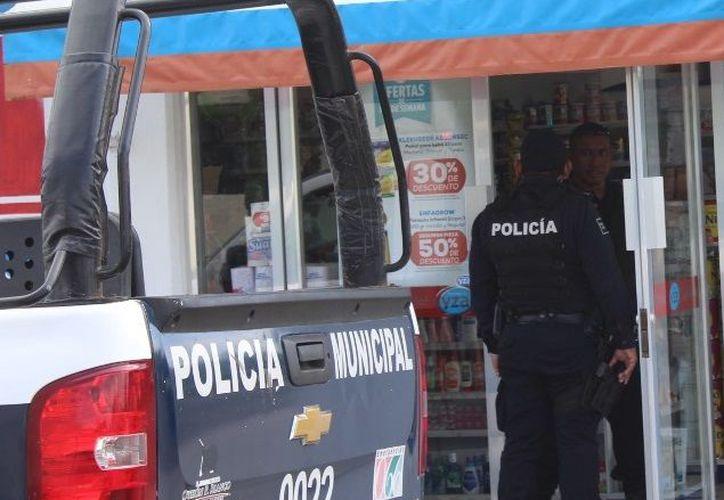La farmacia, ubicada sobre la avenida Plutarco Elías Calles con Calzada Veracruz, de la colonia Barrio Bravo. (SIPSE)