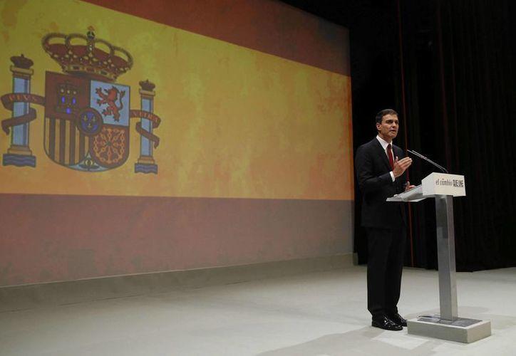 Pedro Sánchez es el abanderado del PSOE para relevar al Partido Popular de la Presidencia del Gobierno de España. (EFE)