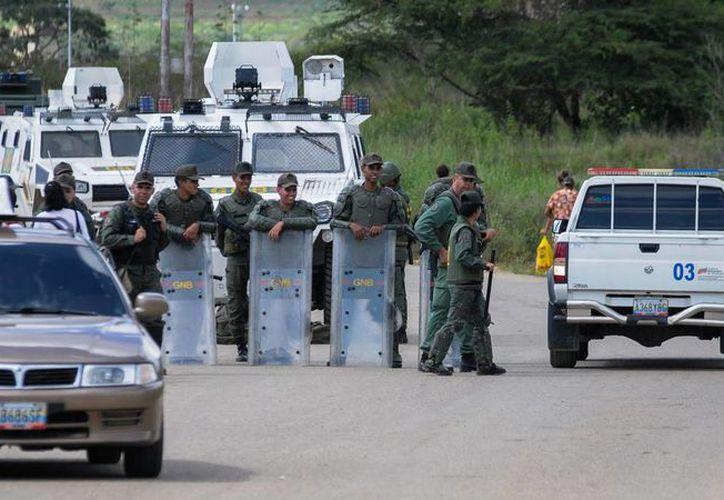 El Observatorio Venezolano de Prisiones indicó que la cárcel donde ocurrieron los hechos había recibido múltiples denuncias por malos tratos y torturas. (AP)