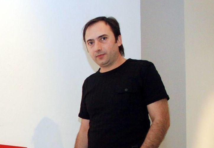 Emilio Said expone una decena de piezas arquitectónicas recién salidas del taller de la experimentación. (Milenio Novedades)