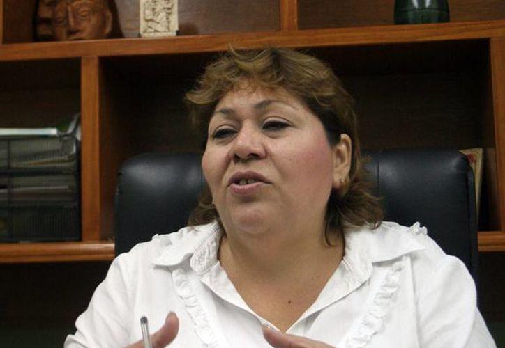 Elizabeth Gamboa Solís, directora del Indemaya, habló de los alcances de la Ley de protección a los derechos de la comunidad Maya de Yucatán. (Milenio Novedades)