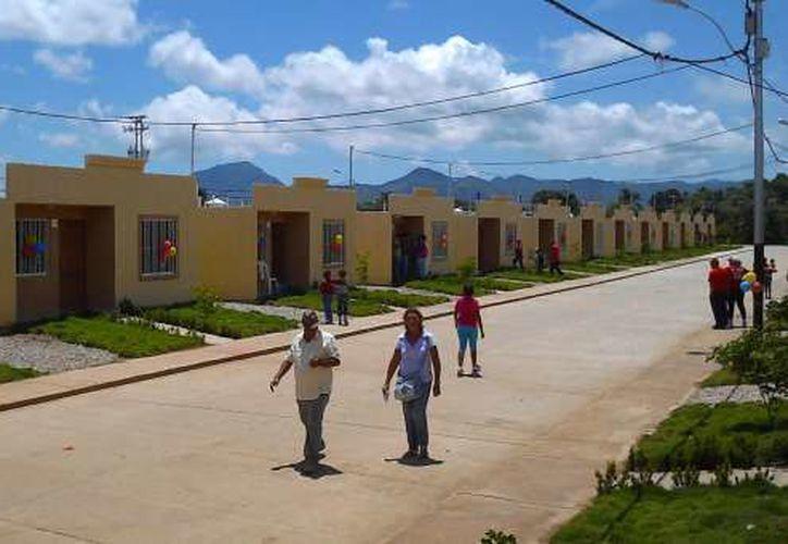 La meta para este 2018 en el sector de la vivienda en la entidad, es la construcción promedio de nueve mil viviendas. (SIPSE)