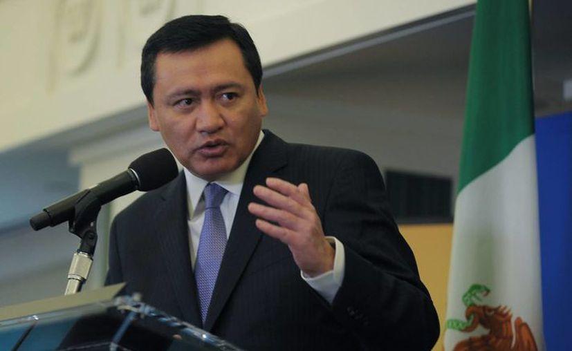 Osorio Chong ofreció su apoyo al actual gobernador de Tabasco. (Notimex)