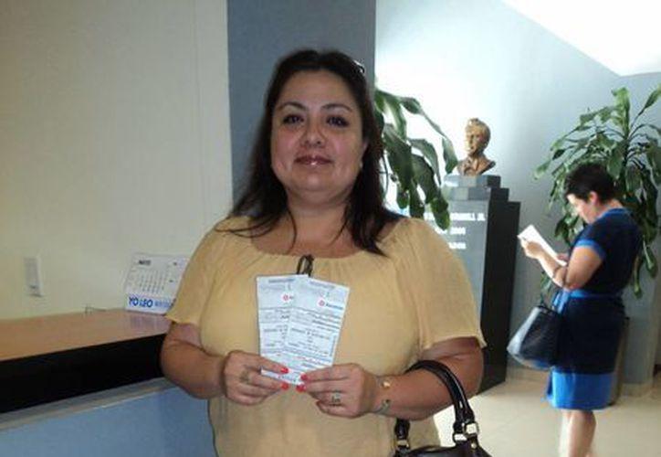 Magdalena Pozos García se dijo contenta de poder asistir al concierto de Yuri este próximo 17 de mayo. (Redacción/SIPSE)