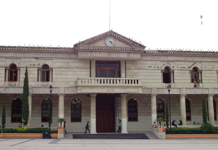 El alcalde Mario Moreno atendió a los uniformados.(chilpancingo.gob.mx)