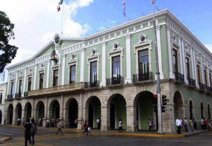 El titular del IMEF en Yucatán, Francisco Álvarez Cuevas, aseveró que la actual administración recibió un gobierno sin información financiera adecuada y aún así ha logrado tomar decisiones que compensan. (Archivo/Sipse)