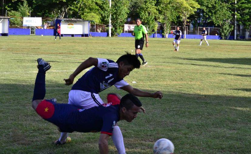 En la fecha uno de la Primera Fuerza, el campeón y subcampeón golearon a sus respectivos rivales.(Daniel Sandoval/Milenio Novedades)