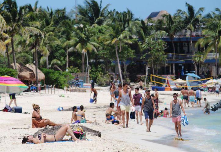Pese a que los hoteles pagan concesión de explotación de la playa, no tiene derechos reales sobre las mismas. (Octavio Martínez/SIPSE)