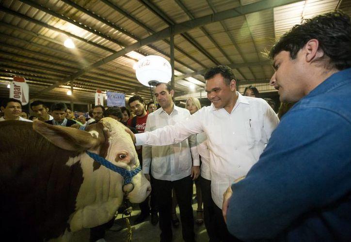 El mandatario estatal indicó que la feria es una gran ventana para exponer lo más representativo de la dinámica productiva, agropecuaria, comercial y empresarial de Yucatán. (SIPSE)