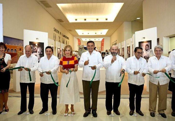 Ayer, el gobernador Rolando Zapata inauguró la muestra turística y cultural de Chiapas que se exhibirá en la capital yucateca hasta el próximo 3 de noviembre. (Cortesía)
