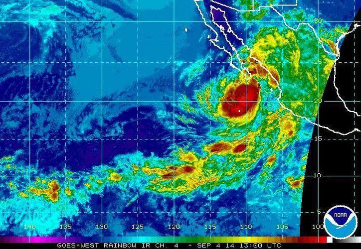 A las 04:00 horas el huracán Norberto se ubicaba a 265 kilómetros al sur-sureste de Cabo San Lucas, en Baja California Sur. (ssd.noaa.gov)
