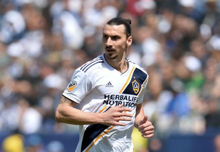 El equipo de Zlatan, sumó su tercer partido consecutivo sin ver la victoria el martes. (Internet)