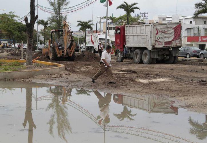 Se pronosticaron este viernes chubascos y tormentas en Cancún. (Tomás Álvarez/SIPSE)