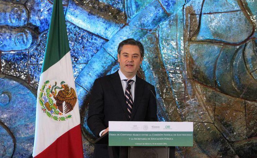 Aurelio Nuño Mayer, titular de la Secretaría de Educación  Pública, felicitó al Congreso de Oaxaca por aprobar la Ley Estatal de Educación. (Notimex)