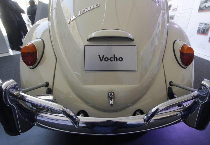 Imagen de un VW sedán en la exposición histórica de autos de la planta Volkswagen de Puebla, en su 50 aniversario en México, en enero de 2014. (Archivo/Notimex)