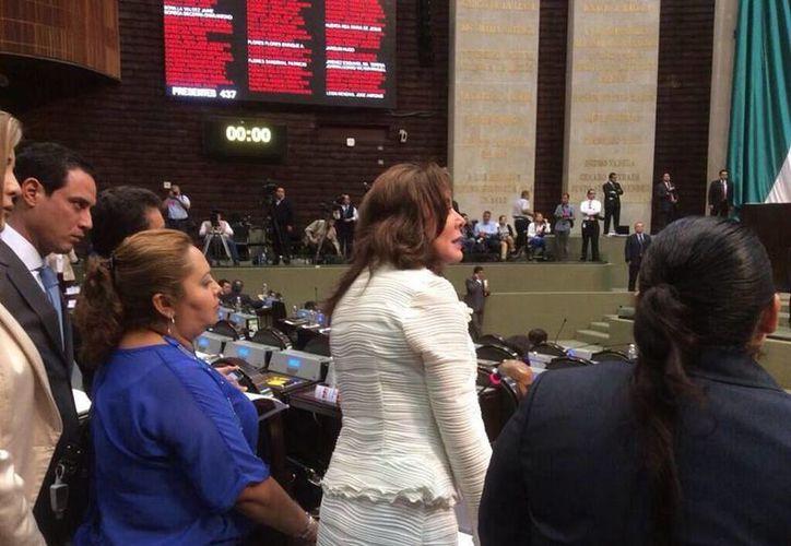 La diputada Beatriz Zavala Peniche llevó hasta el Congreso de la Unión el caso de la agresión contra una regidora de Tekantó, Yucatán. (Facebook)