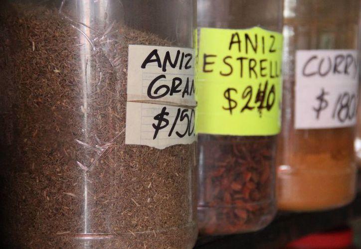 Algunas especias contienen alto concentrado de antioxidantes que benefician a la salud, además de que puedes reducir el consumo de sal usándolas. (Consuelo Javier/SIPSE)