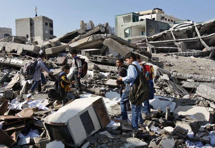Los bombardeos de la aviación israelí sobre Gaza volvieron a dejar muerte y destrucción en ese enclave. (Agencias)
