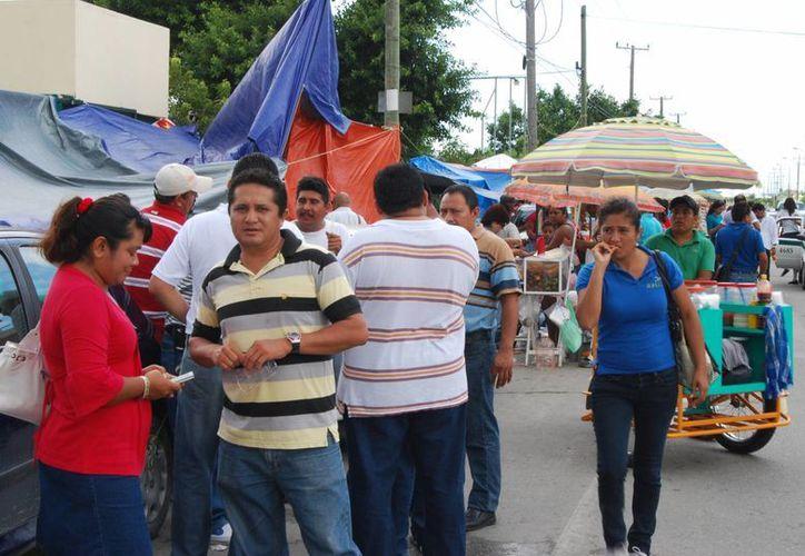 La noticia generó entusiasmo entre los presentes pues al tener su propio espacio, estarían al tanto de lo que ocurría en Chetumal. (Tomás Álvarez/SIPSE)