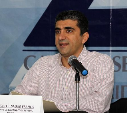 Sector empresarial pide no caer en 'fanatismo político'