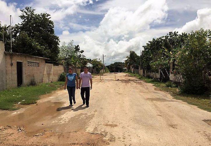 Un grupo de vecinos se organizaron para cuidarse entre sí de la delincuencia, en Bacalar. (Javier Ortiz/SIPSE)