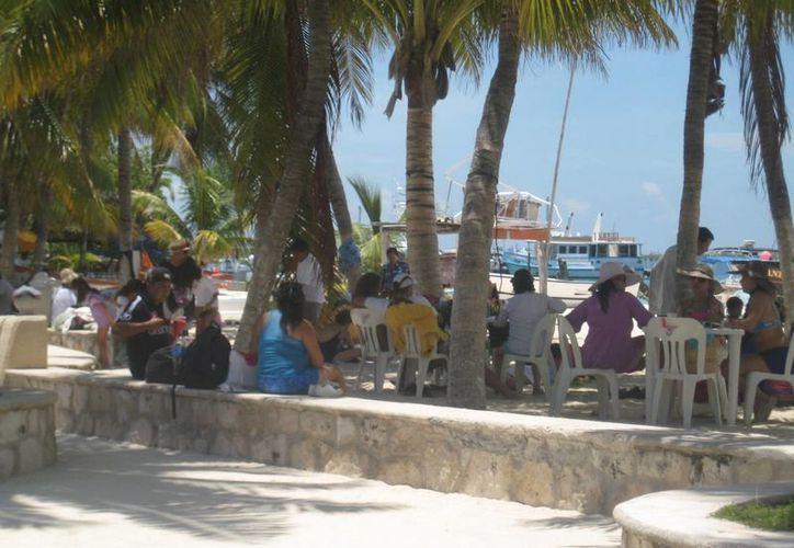 Aumenta demanda de servicios ante incremento turistas. (Lanrry Parra/SIPSE)