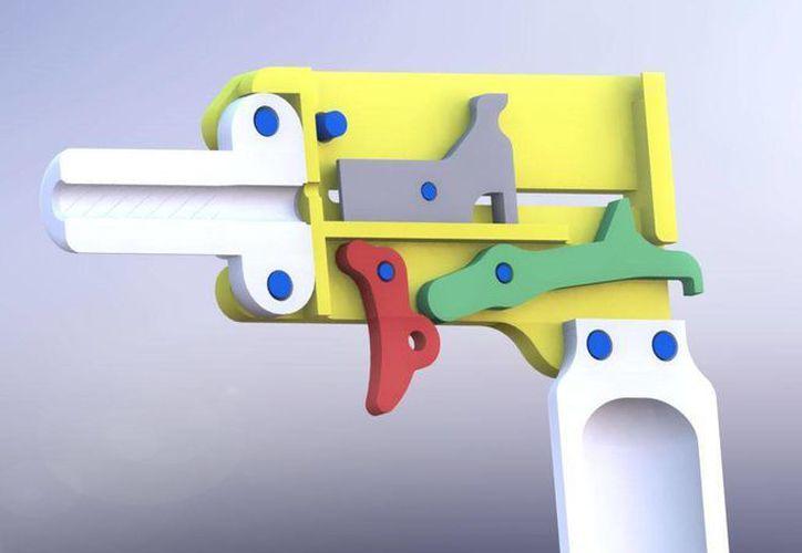 No existe ningún tipo de restricción que impida que una persona fabrique un arma de fuego y de plástico para su propio uso. (defcad.org)