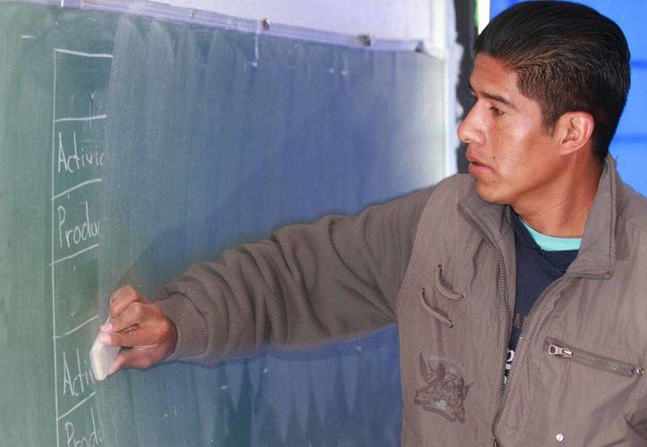 Los préstamos del Banco Mundial a México son con miras a alcanzar la universalidad de la Educación Media Superior para el ciclo escolar 2021-2022. (Notimex/Foto de contexto)