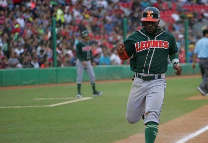 Corey Wimberly podría verse obligado a retirarse definitivamente pues el jugador de Leones de Yucatán se resintió de una lesión. (Milenio Novedades)