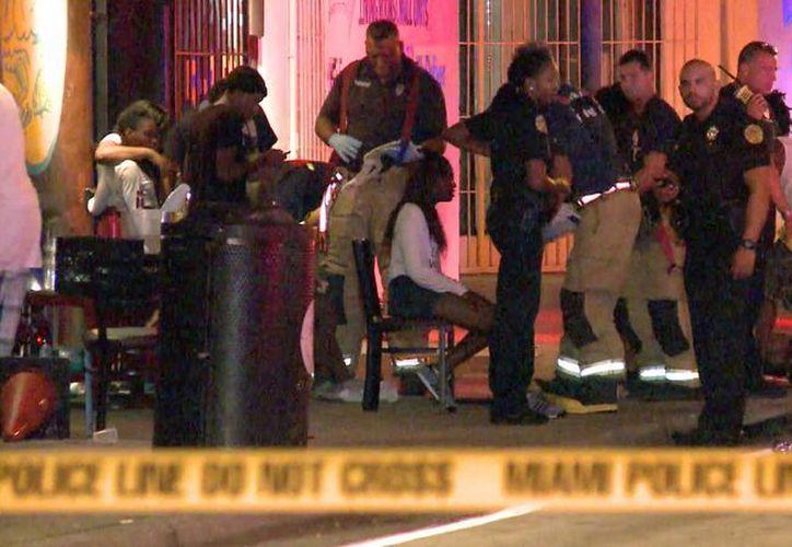 Las autoridades indicaron que una de las víctimas se encuentra grave. (AP)