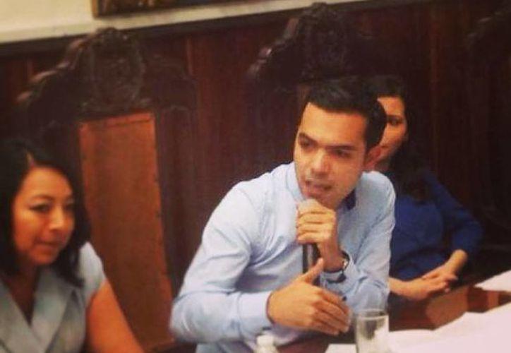 El regidor Elías Lixa fue uno de los que participaron en el debate de las acusaciones de corrupción en la gestión de Angélica Araujo Lara. (SIPSE)