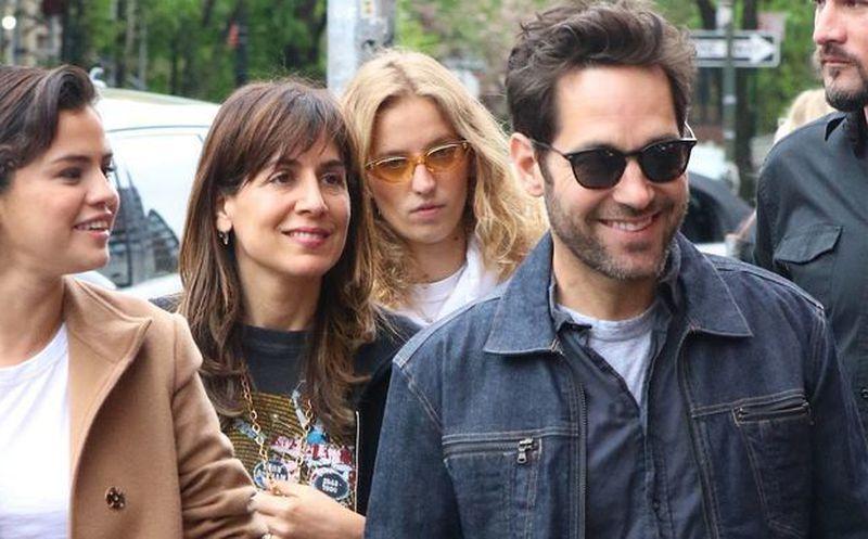 Selena Gomez y el ex novio de Jennifer Aniston, ¿más que amigos?