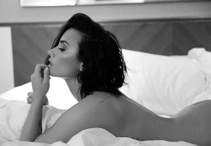 Demi Lovato  posó sin ropa en la cama para promocionar 'Body Say'. (Instagram Demi Lovato)