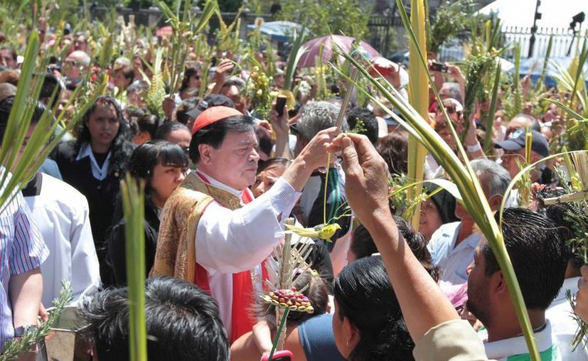 El cardenal quiso hacer público el agradecimiento al jefe de Gobierno por acudir al Vaticano a invitar al papa Francisco. (Notimex)